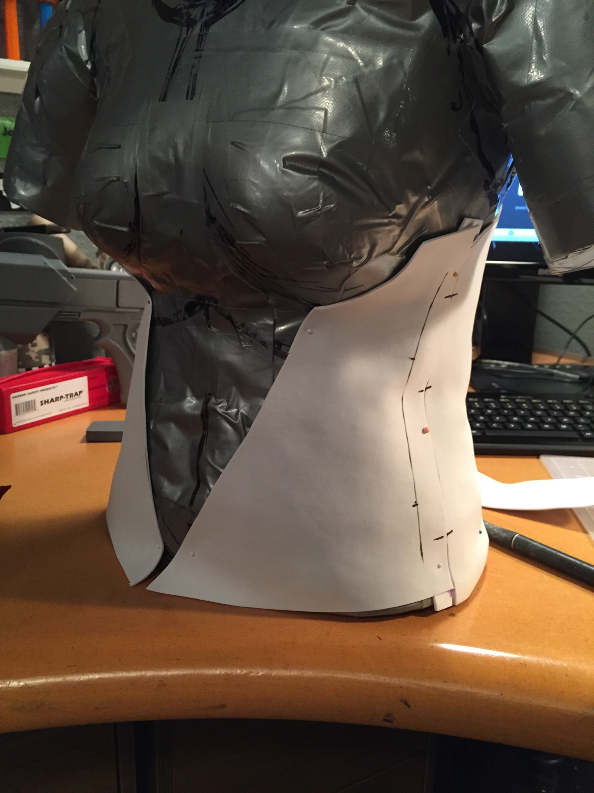 Base for sides and back is basically a craftfoam corset.