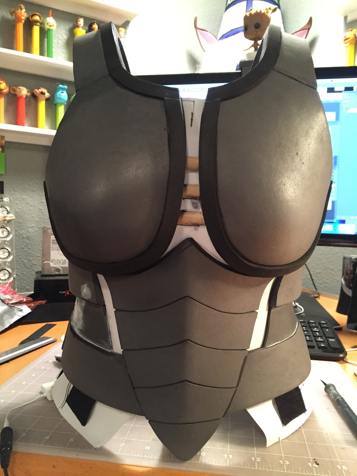 Both outer edge breast detailing done.