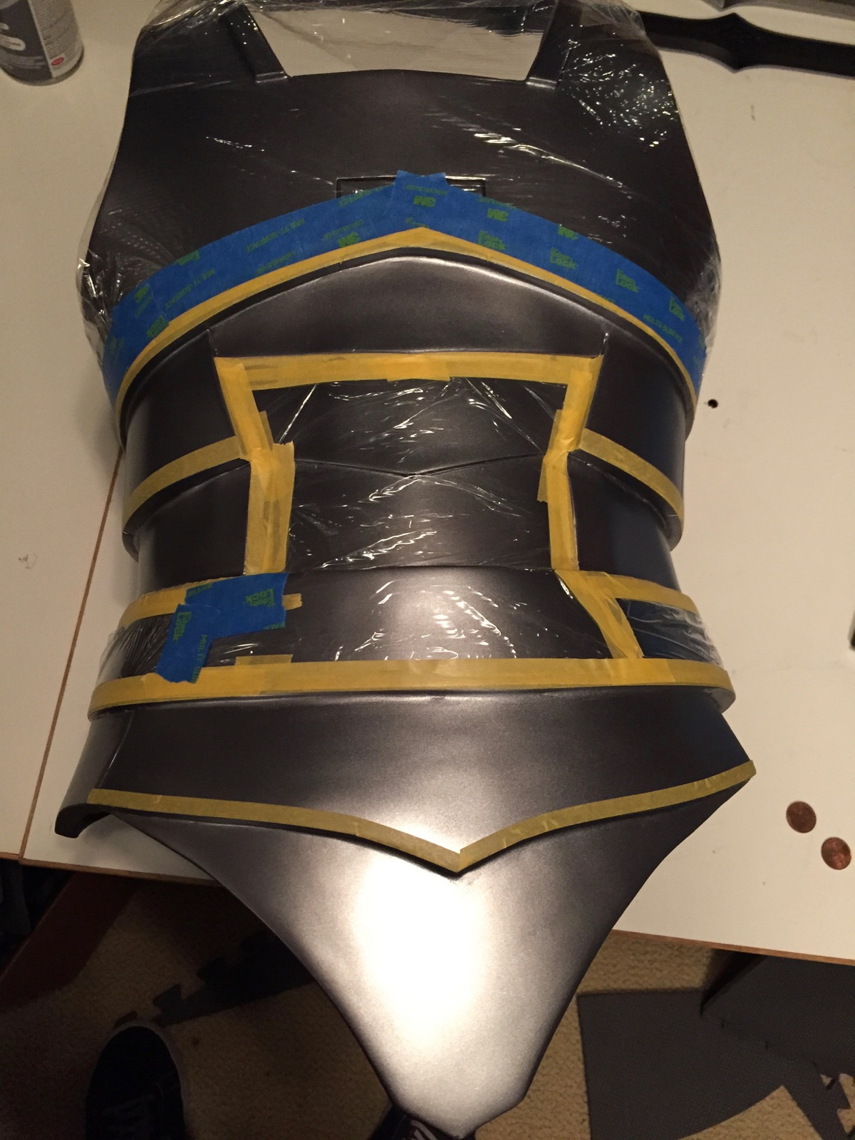Masking for the subtle dark fade on the sides and back.