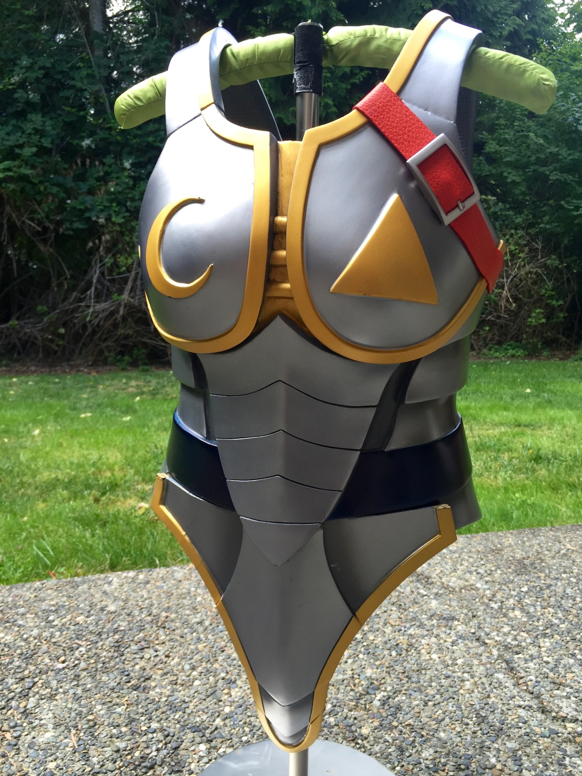 Final armor after several con appearances.