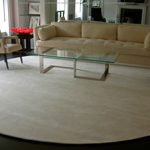 The perfect rug for a calming space. Neutral in colour but incredibly warm in tone, this rug is an elegant accompaniment to a room with polish, charm and quiet sophistication.   Project: NYC residence.Interior Design: Alan Tanksley