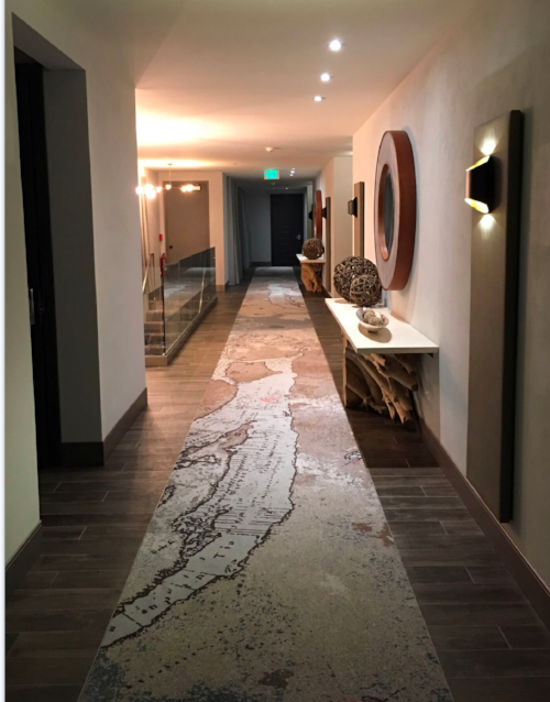 The Creative Matters corridor runner design reflects the beachy yet sophisticated feel of the public areas. The rugs set the tone in both colour palette and the modernist quality of the graphic designs.