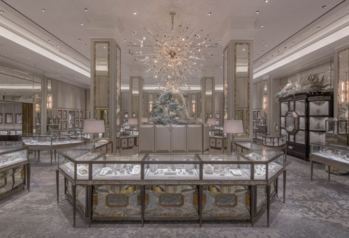 In March 2015, Bergdorf Goodman briefed Ali on a carpet for the new Jewelry Salons in their iconic New York City store. Installation was just eight months later; the dimensions made it Creative Matters' biggest handmade carpet ever; and everything about it had to be luxe, shimmering and enduring.