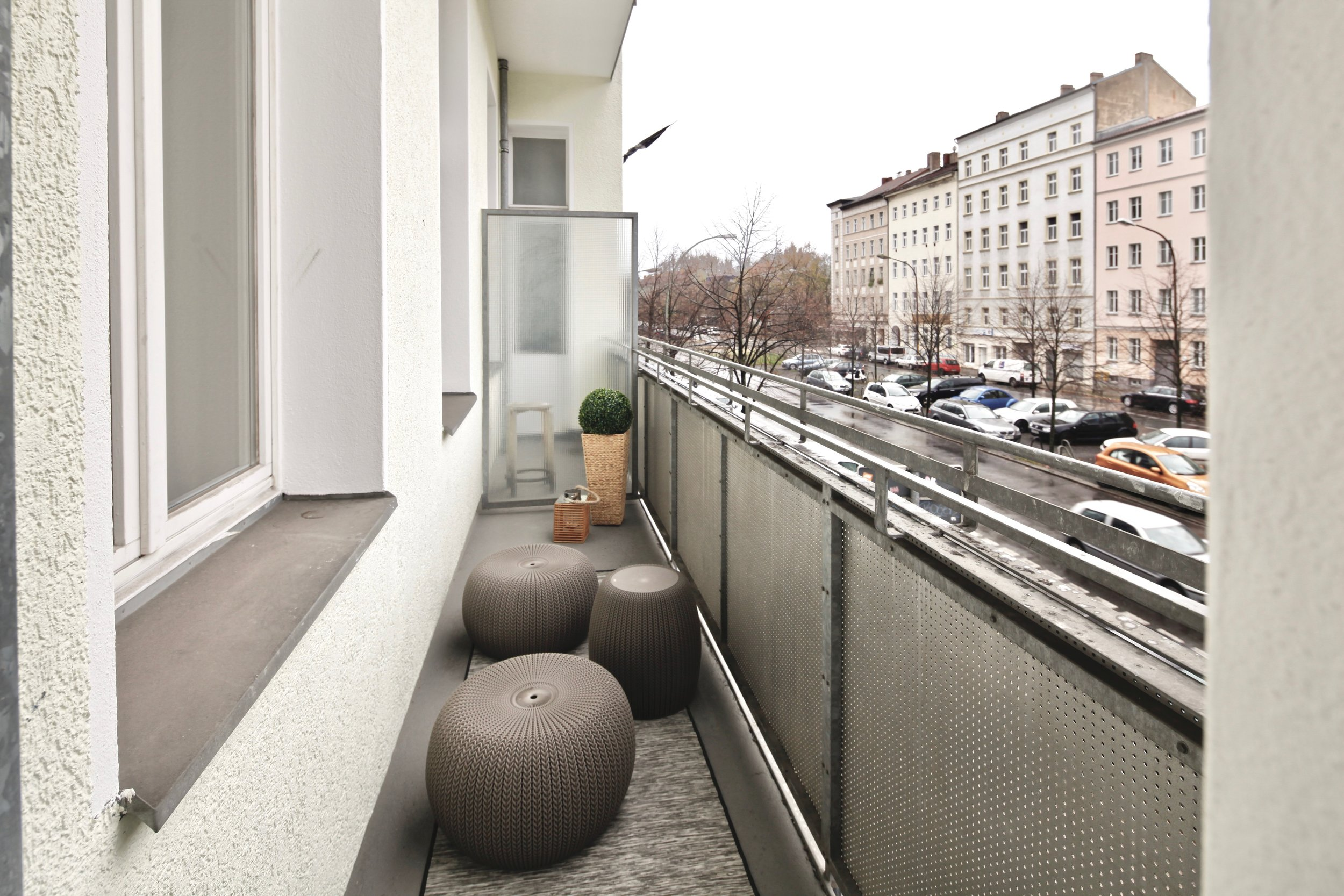 Musterwohnung in residential building in Berlin designed by Revamp