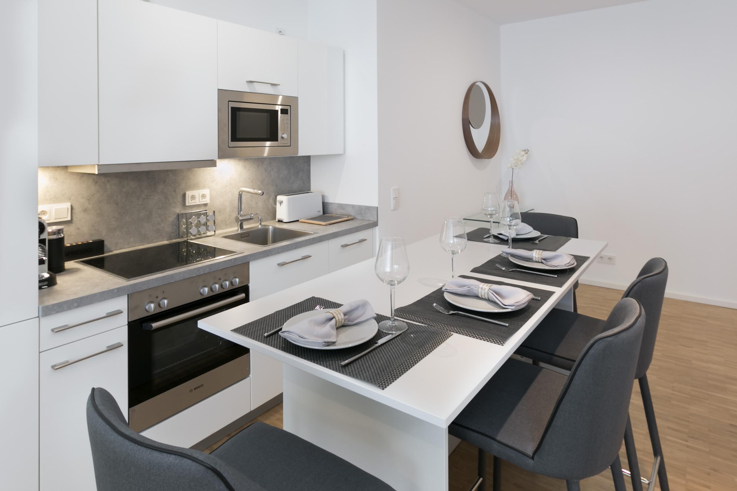 re-vamp+möbliertes+Mikropapartment+WE+154+Küche.jpg