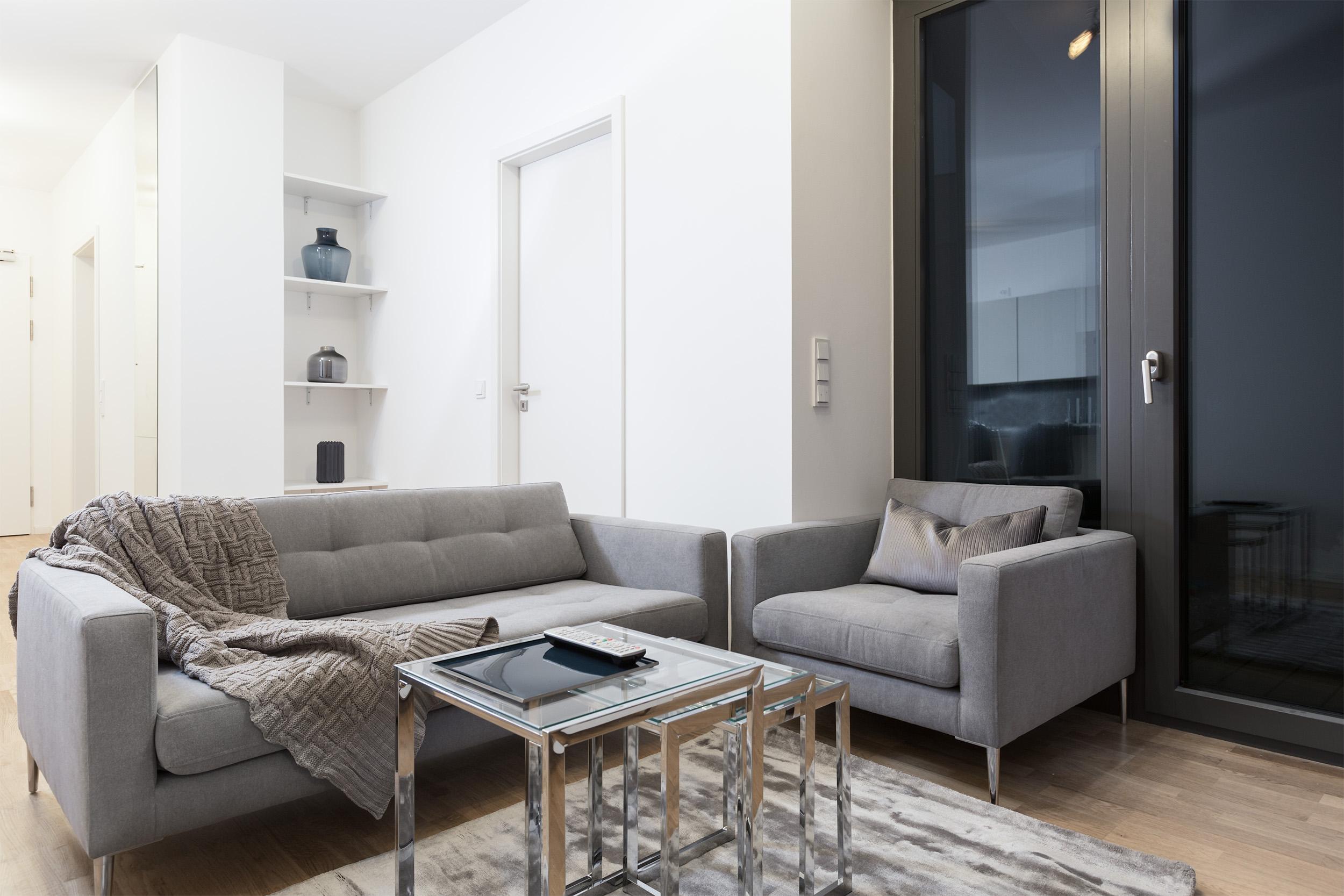 re-vamp+möbliertes+Mikropapartment+WE+207+Wohnzimmer.jpg