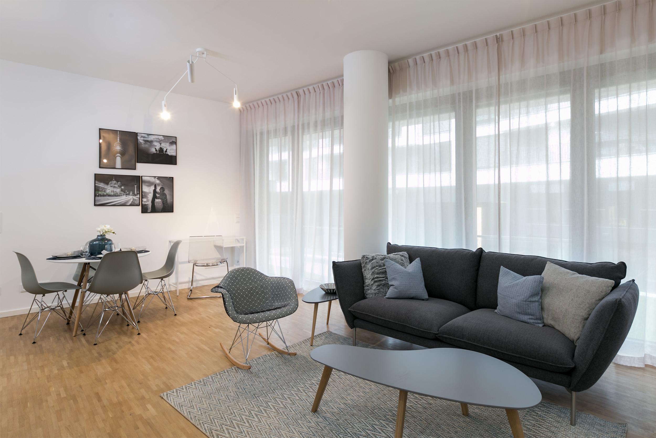 re-vamp+möbliertes+Mikropapartment+WE+217+Wohnzimmer.jpg