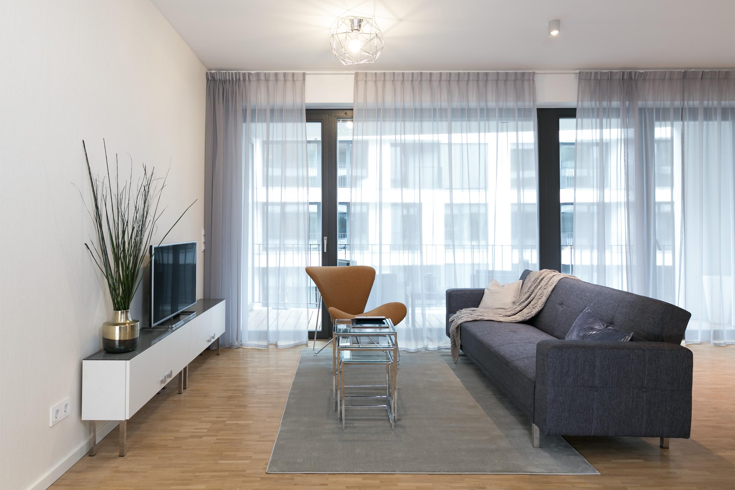 re-vamp+möbliertes+Mikropapartment+WE+239+Wohnzimmer.jpg