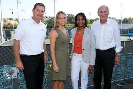 San Antonio Mayor Ivy Taylor, Robert Braubach of McFarlin Tennis Foundation, and the organizers of the San Antonio Open 2015