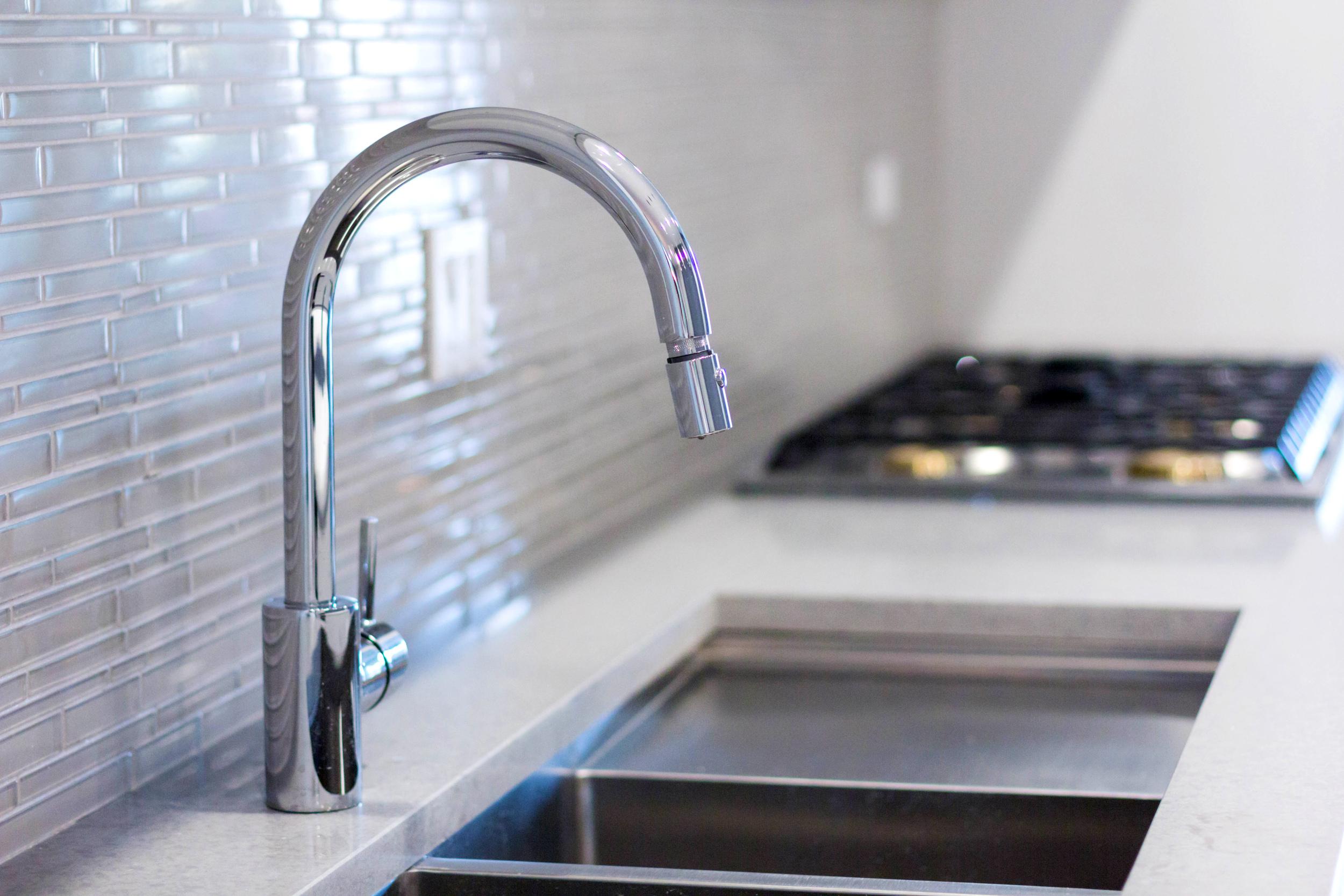 2440 West Ohio Chicago Interior Kitchen Sink TARIS Real Estate