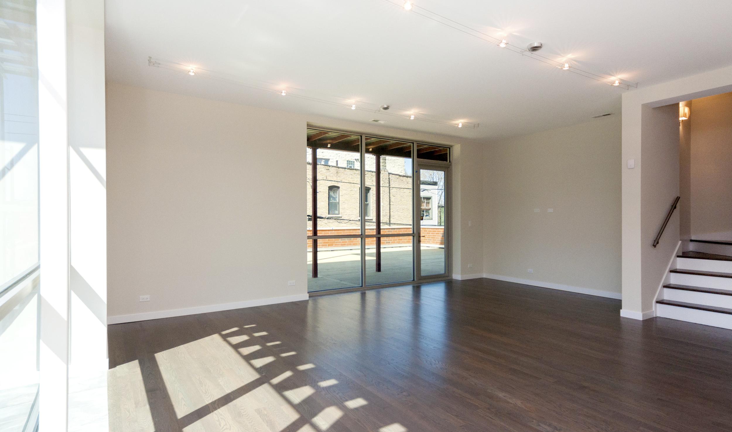 1000 North Damen Chicago Illinois Interior Living Room TARIS Real Estate