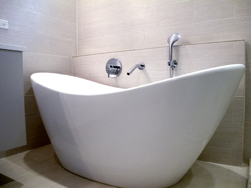 2111 West Race Chicago Interior Master Bathroom Tub TARIS Real Estate
