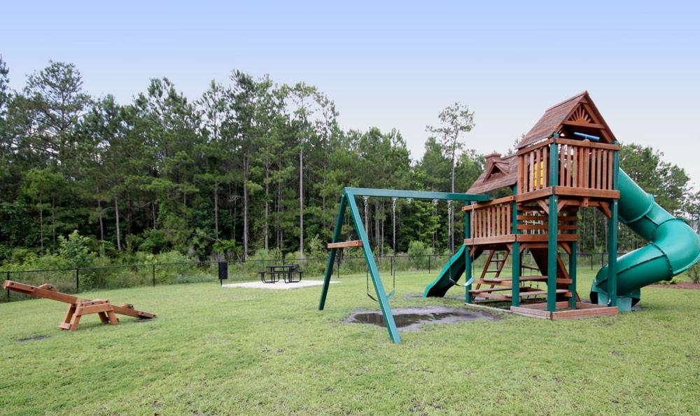Arlington West Exterior Park Jacksonville North Carolina TARIS Real Estate