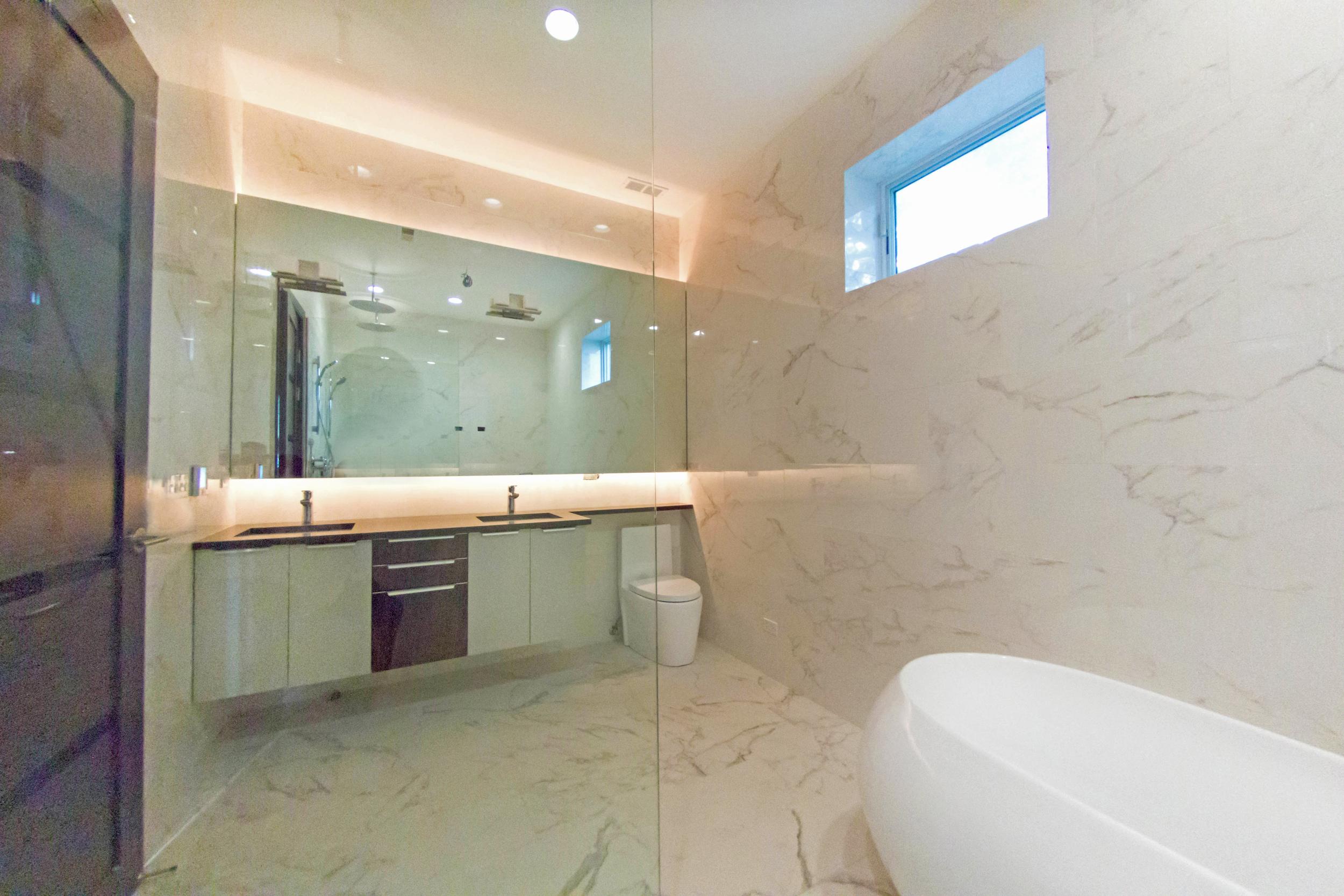 2440 West Ohio Chicago Interior Master Bathroom TARIS Real Estate