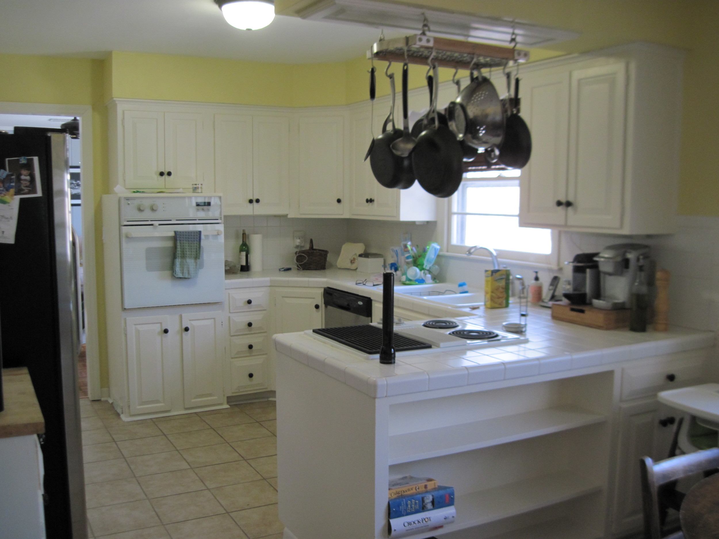 Our client loves to cook, to bake, and to entertain. Can you imagine hosting a Thanksgiving meal for your family here? With turkey, pumpkin pie, and two surly brothers-in-law? You couldn't do it.