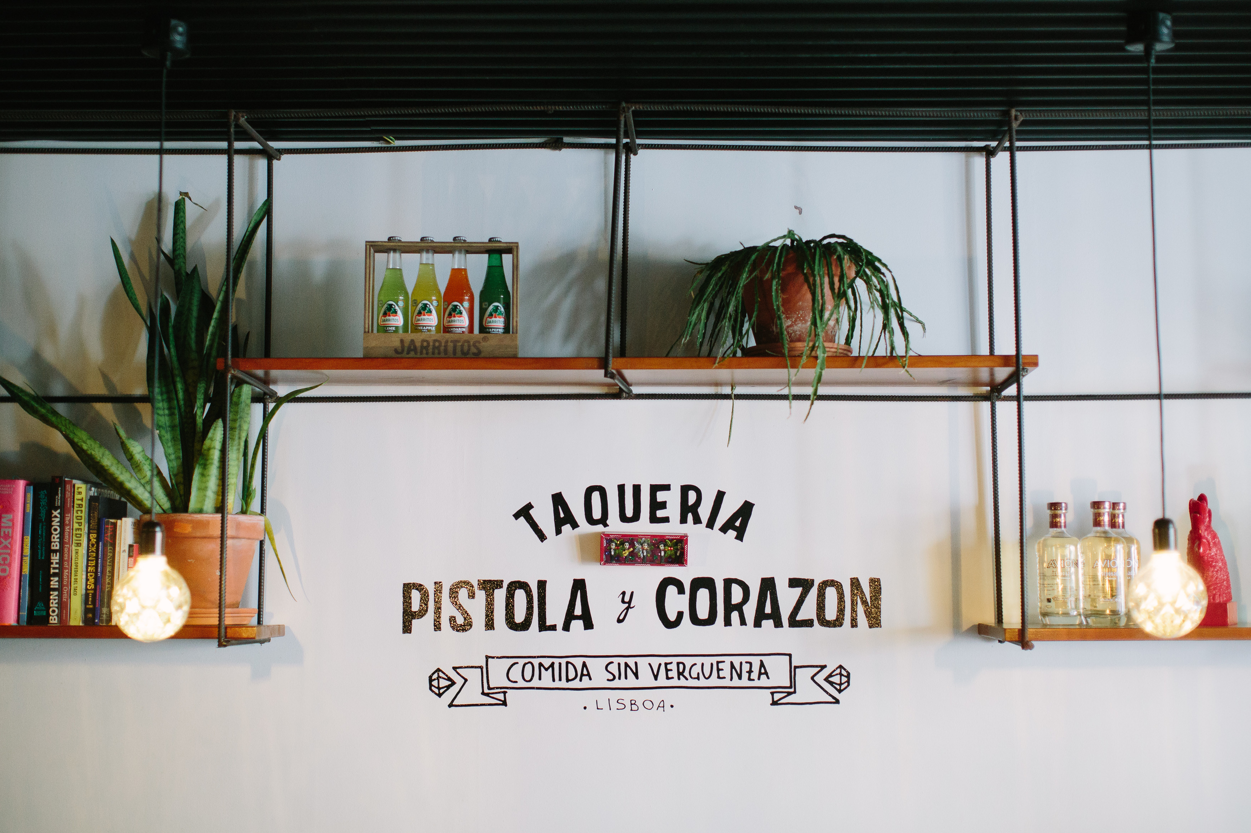 Nicodem Creative_Pistola y Corazon-4.jpg