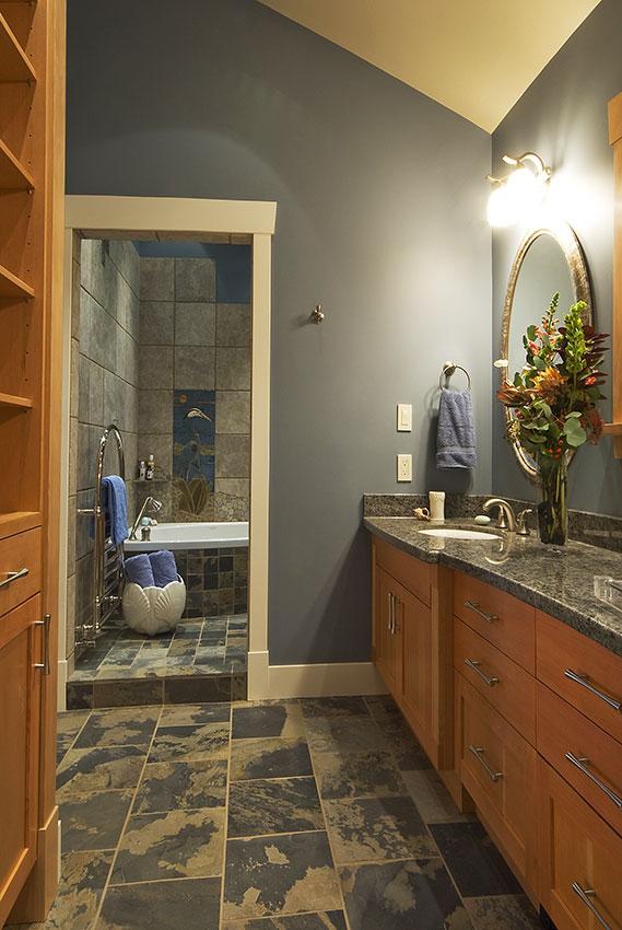 Clemiss-Residence-55-Master-Bedroom--En-Suite.jpg