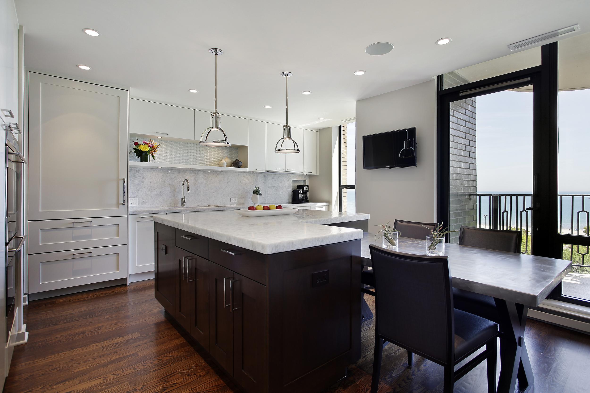 kitchen1_1040lsd.JPG