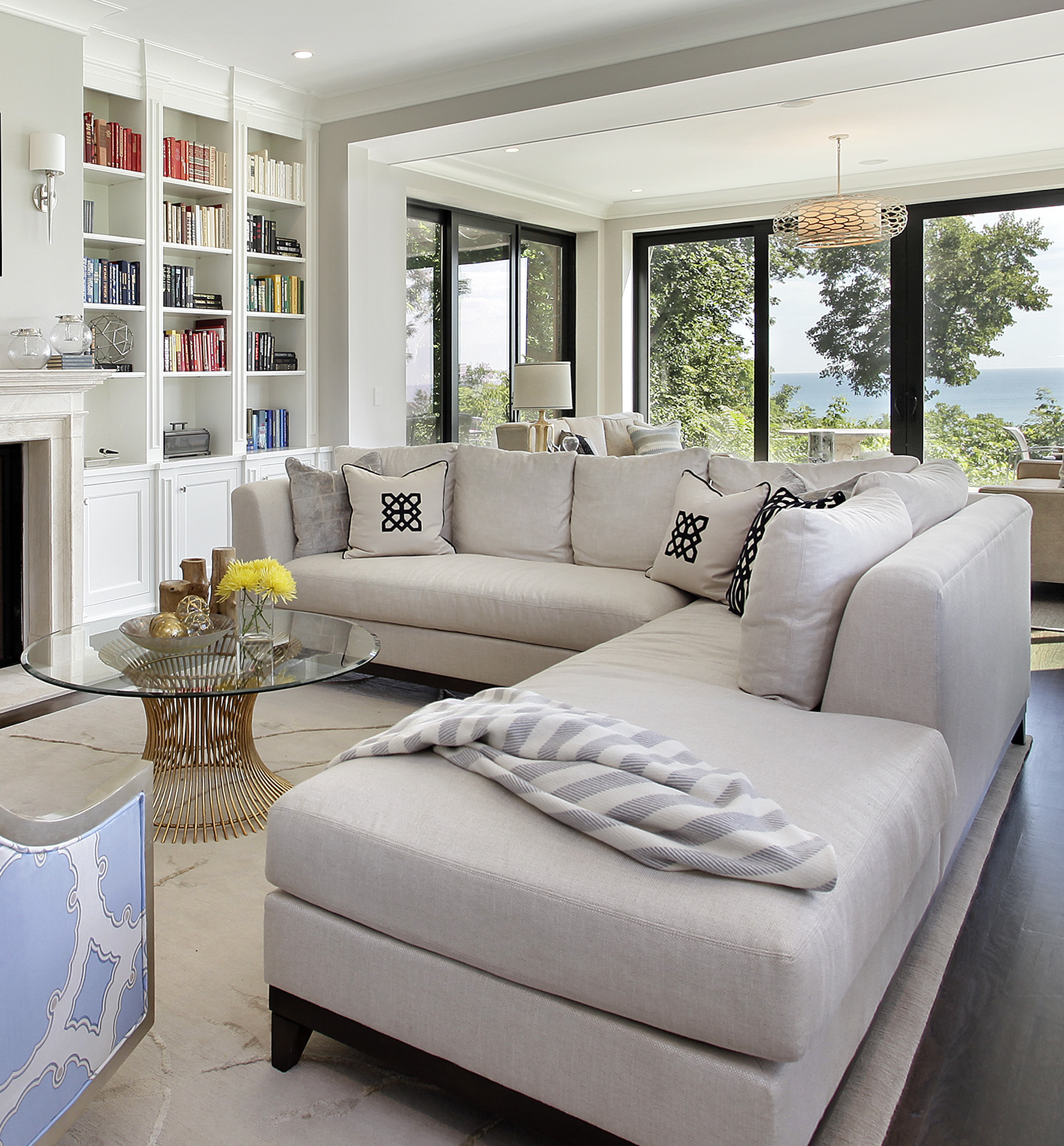 livingroom1_117belle.jpg