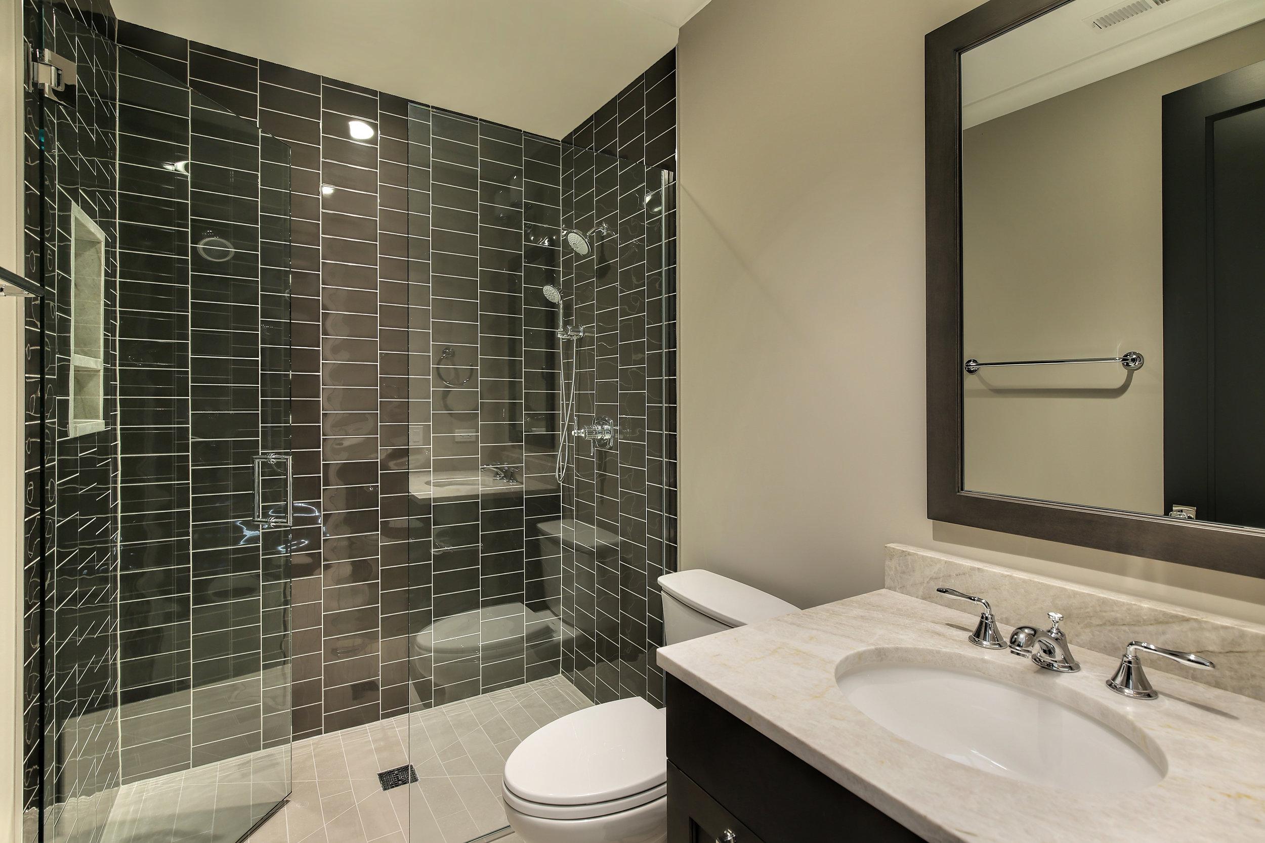 bathroom_3531njanssen.jpg