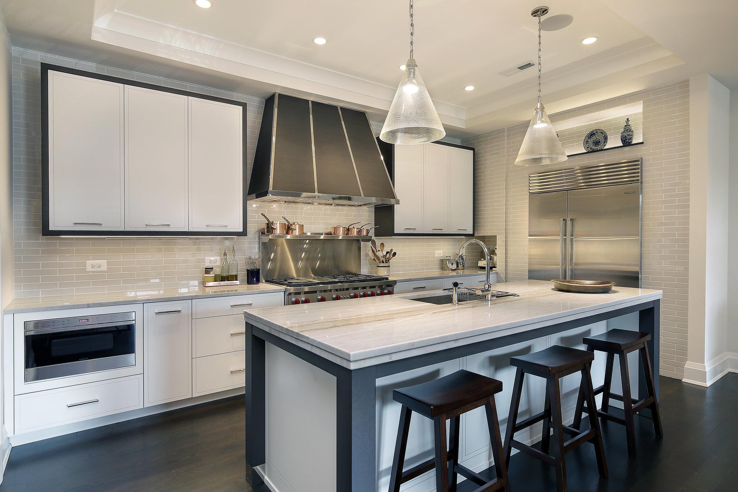 kitchen3_647wmelrose.jpg