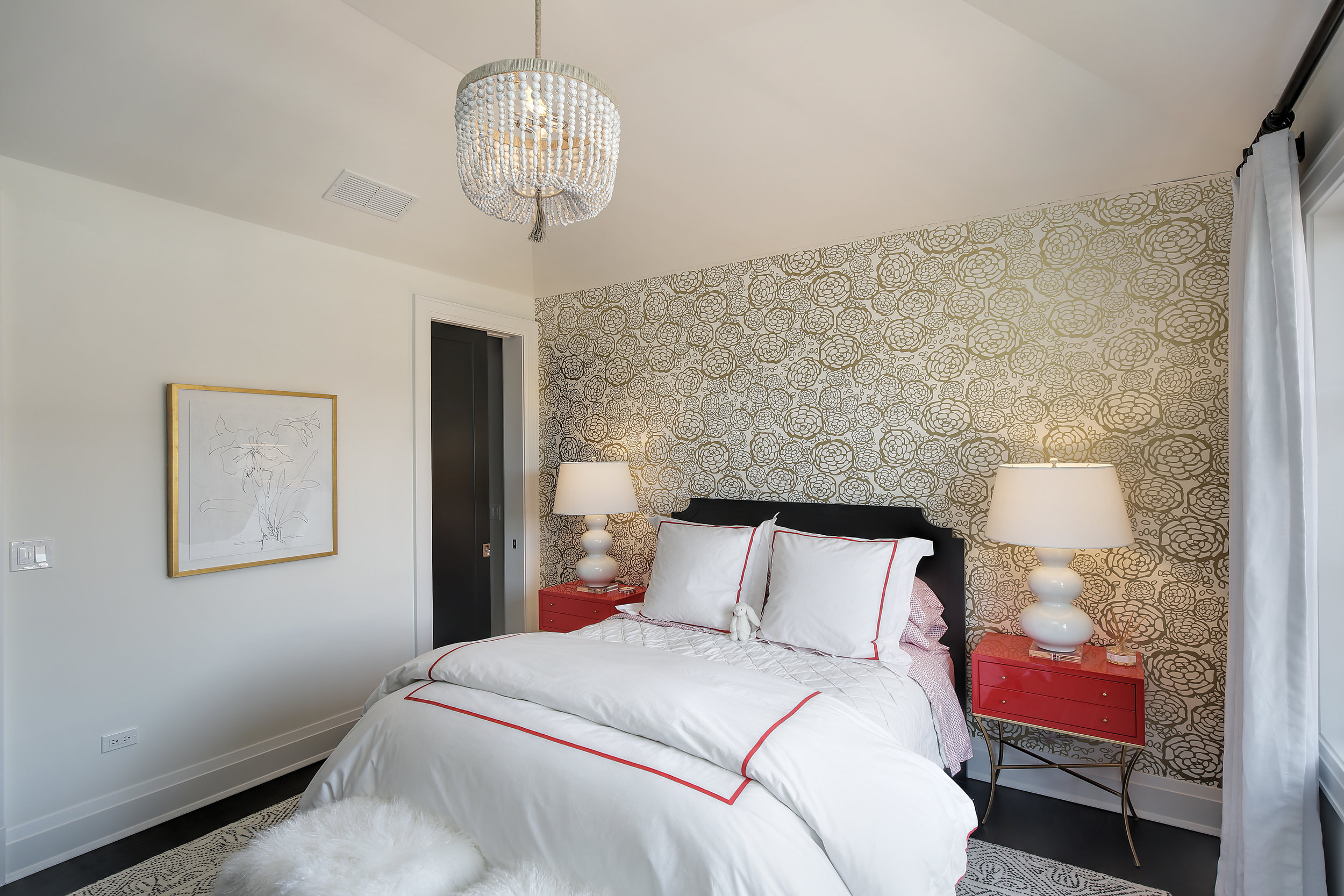 bedroom2_647wmelrose.jpg