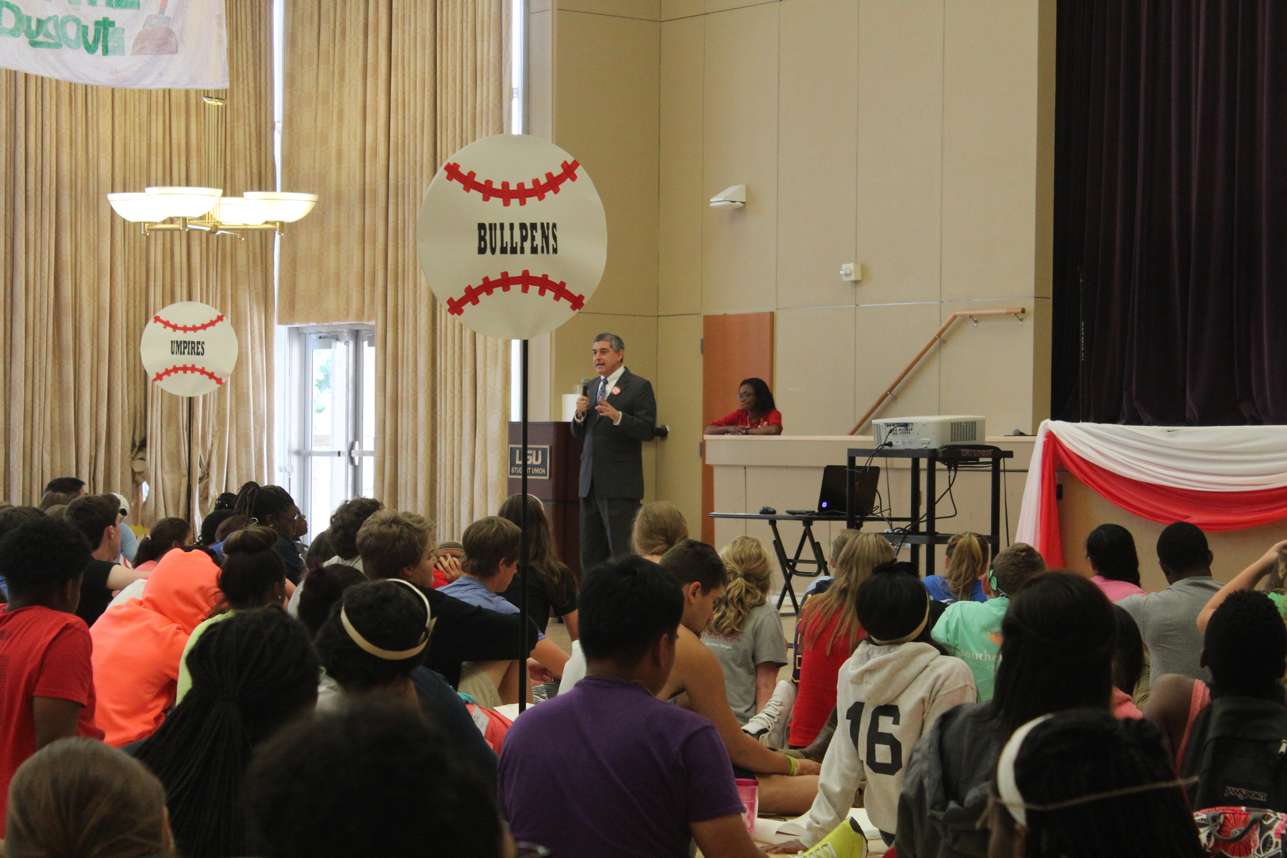 Commissioner of Administration Jay Dardenne speaks to LYS 2015