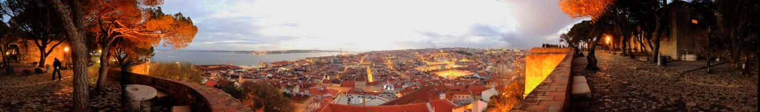 Castelo de S. Jorge  offers a breathtaking 360-degree view of Lisbon at twilight.