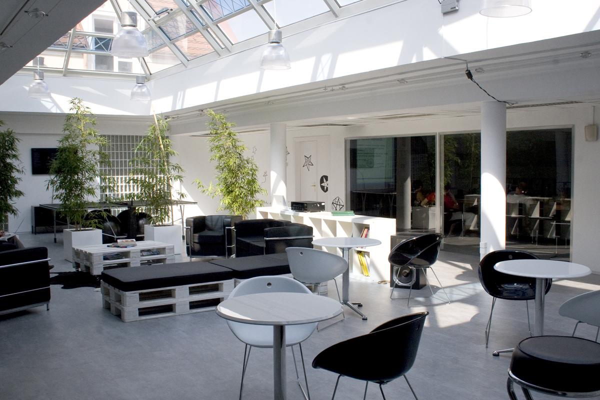 leoburnett_belsoepiteszet_pinxit_Lounge.jpg