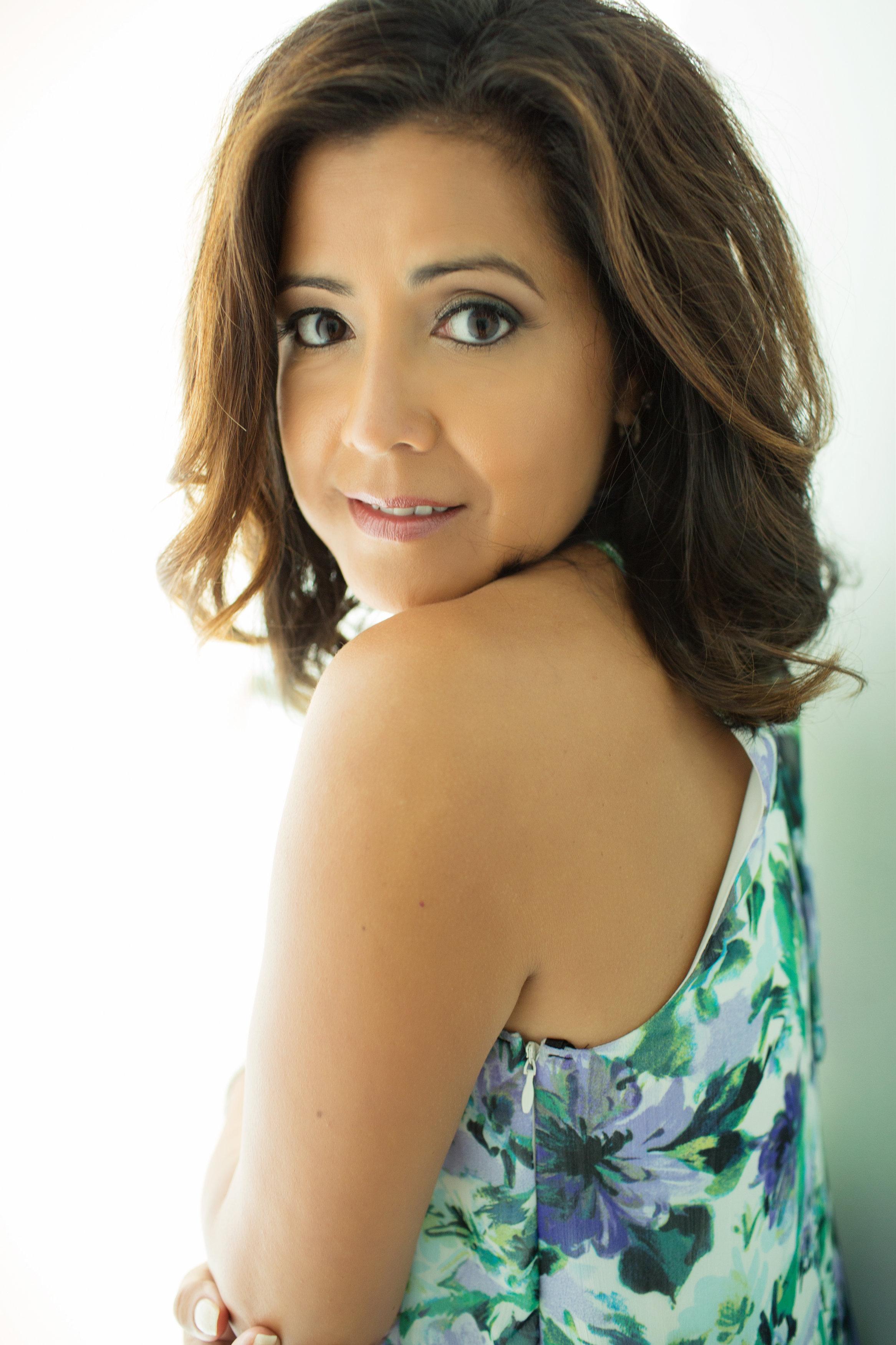 Glamour Shots-Yvonne Ruiz-0007.jpg