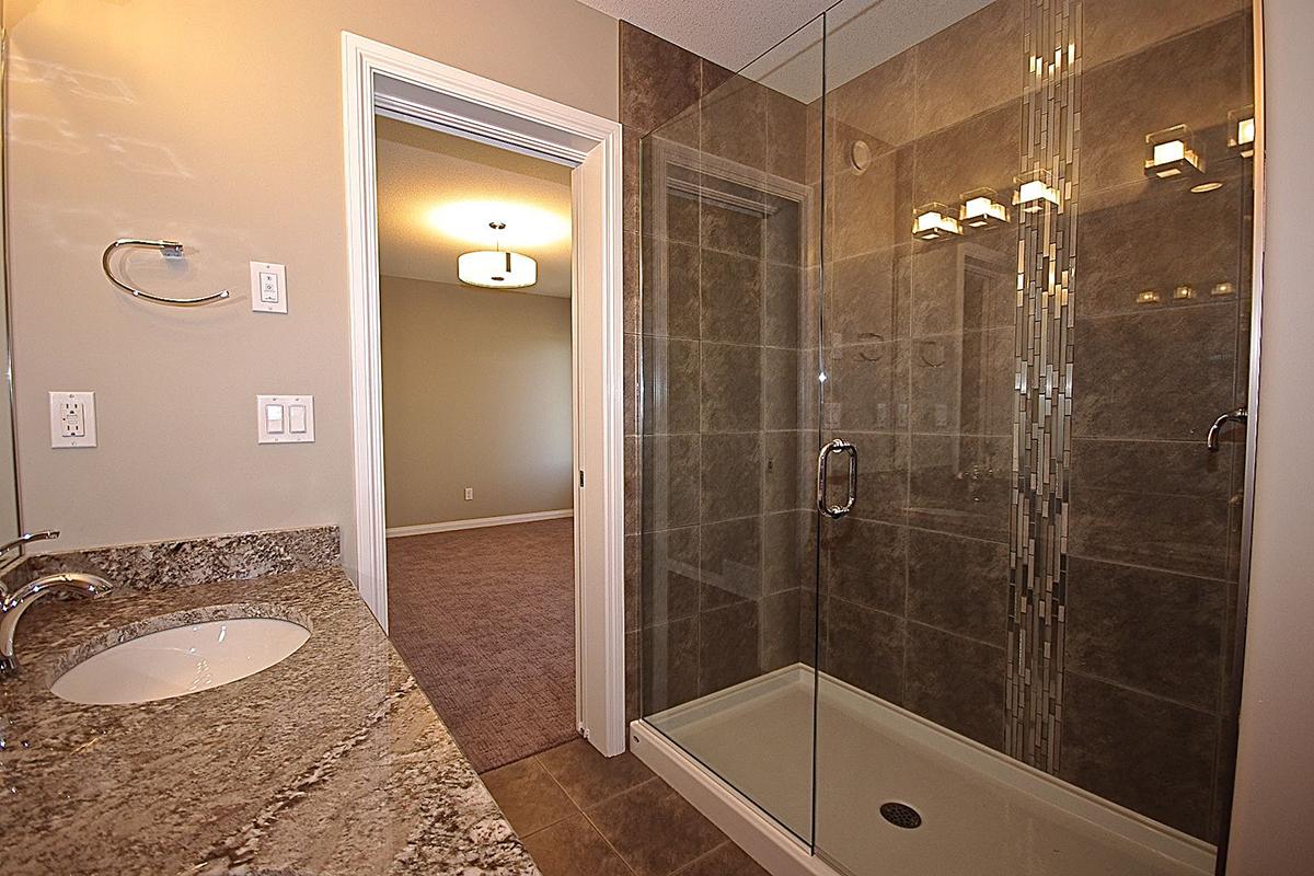 966 Pringle Master Bath 2.jpg
