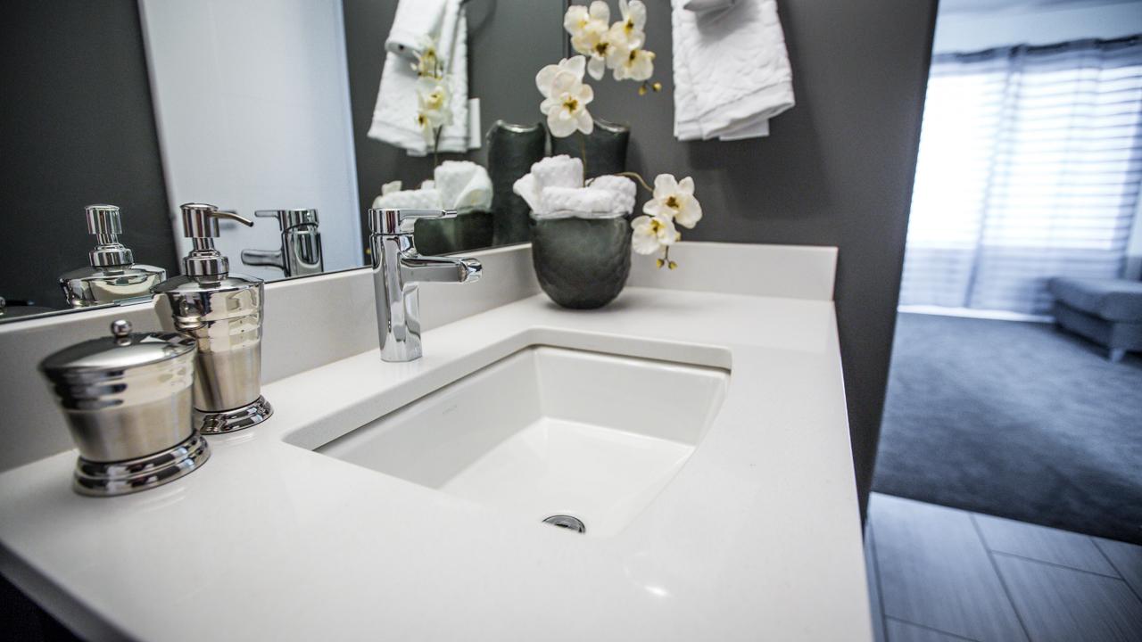 Teal Main Bath 3.jpg