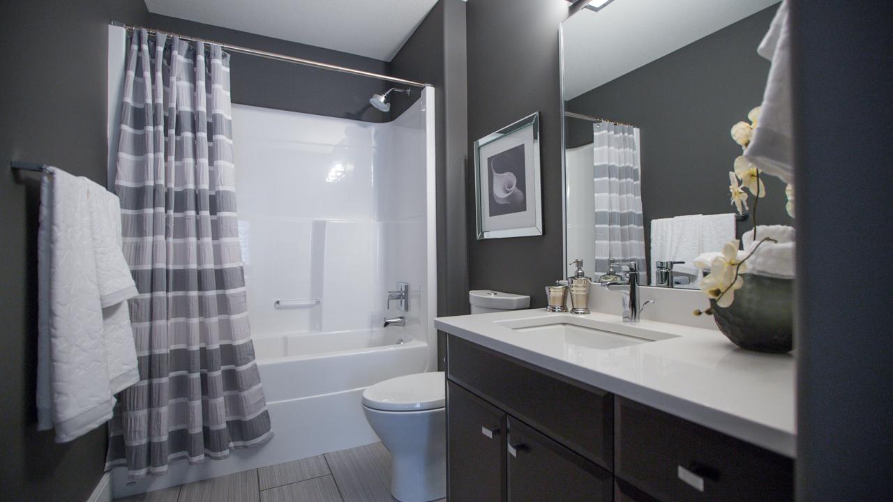 Teal Main Bath.jpg