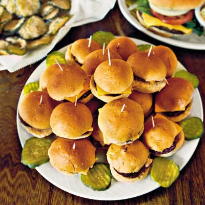 plate-of-cheeseburgers-l.jpg