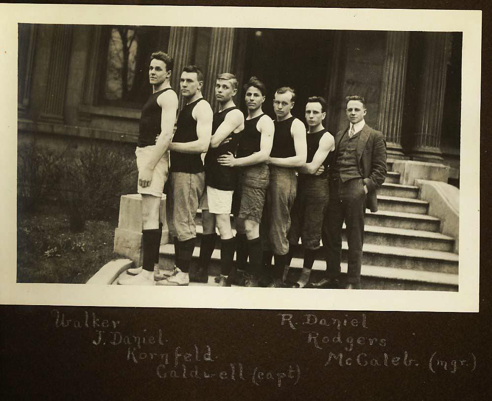 1913-1914 Louisville Cardinals Basketball