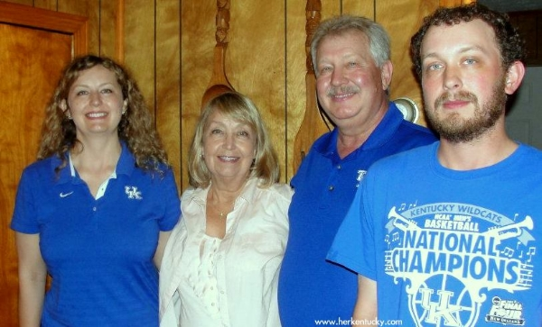 Kentucky Wildcats Fan Family