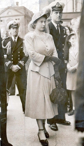 Queen Elizabeth and the Duke of Edinburgh at Epsom in 1948.  via The Daily Mail .