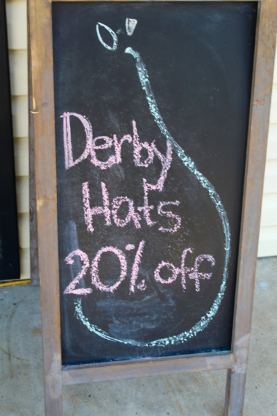 HerKentucky Guide to Derby | Kentucky Derby Hats | HerKentucky.com