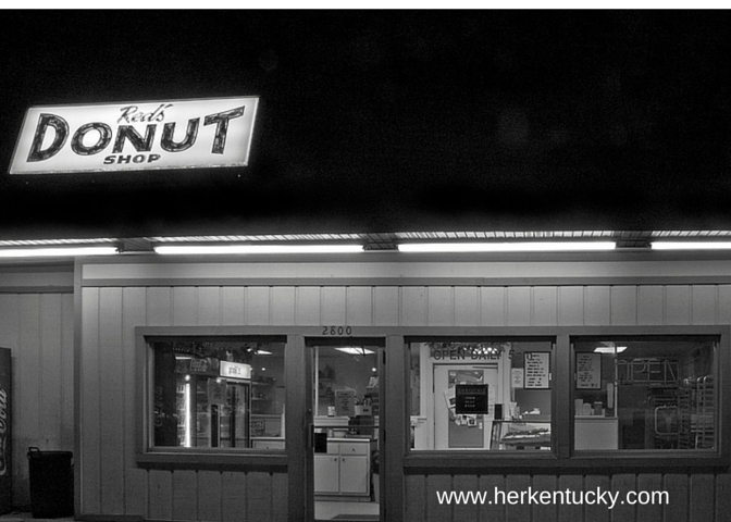 Red's Donuts, Paducah. Photo courtesy Sarah Stewart Holland.