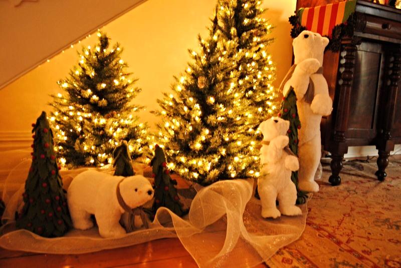 Holiday Decorations by Polka Dots & Rosebuds