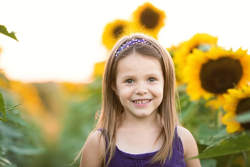 Knob Noster Child Photography Sunflowers_0004.jpg