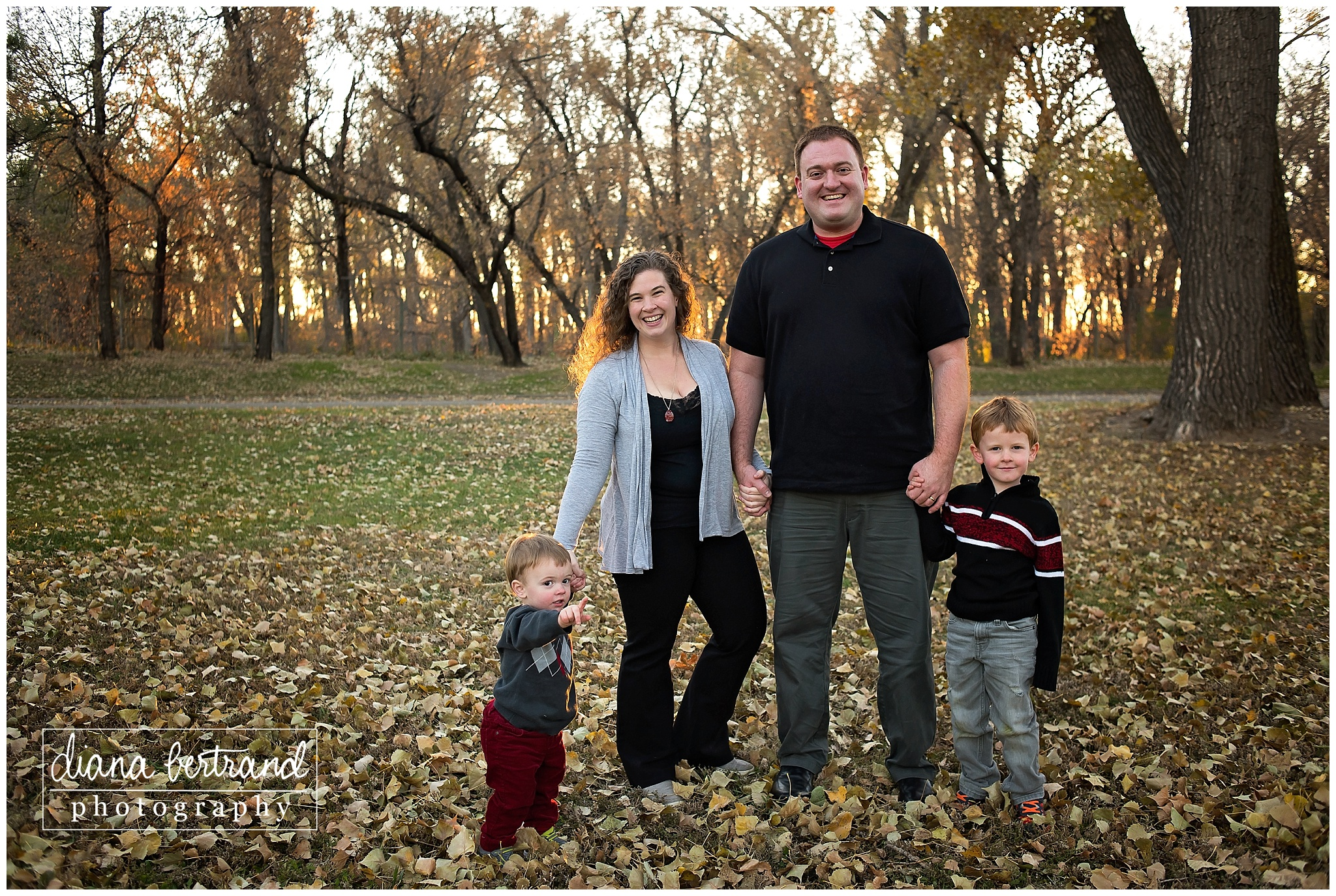 Sertoma Park Bismarck Family Session_0002.jpg