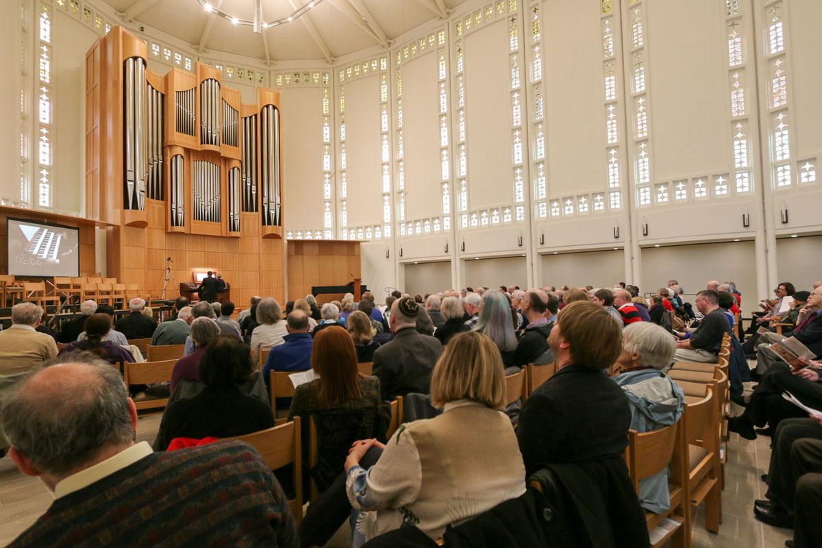 Stephen & Wanda thrilling the crowd at Plymouth Congregational Church, Seattle, WA