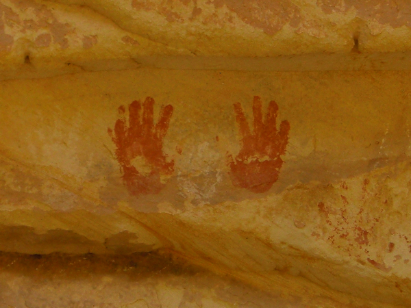 There were dozens of these hand prints all around the buildings. If you look at these thousand-year-old handprints and don't feel some sort of chill or wonder pass over you, see a doctor!