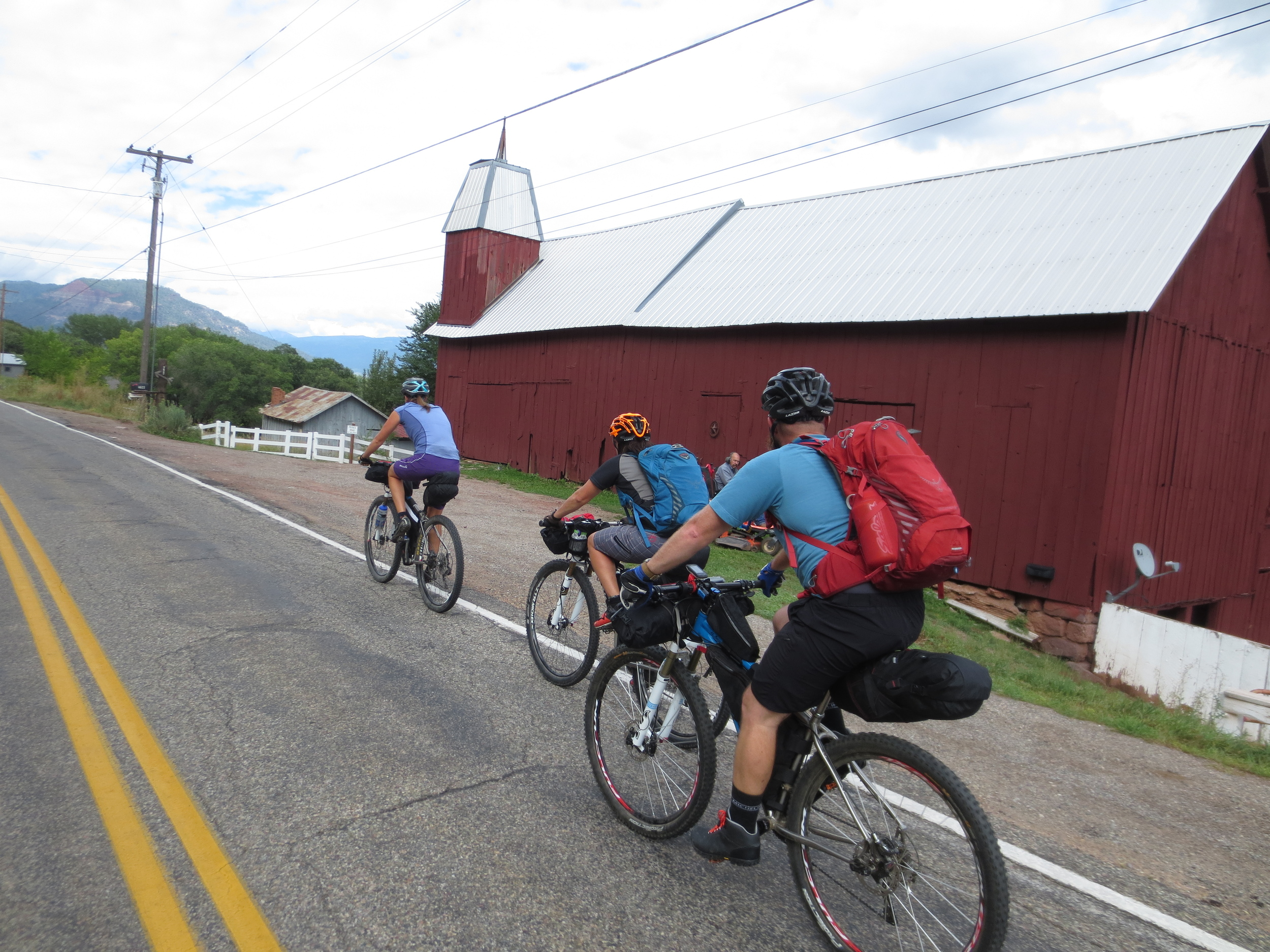 Brian, Ashley, Sandhya and I started our trip by riding north out of town on Saturday afternoon under semi-stormy skies. We had a little titanium party going - we all rode Salsa El Mariachi Ti builds of various kinds!