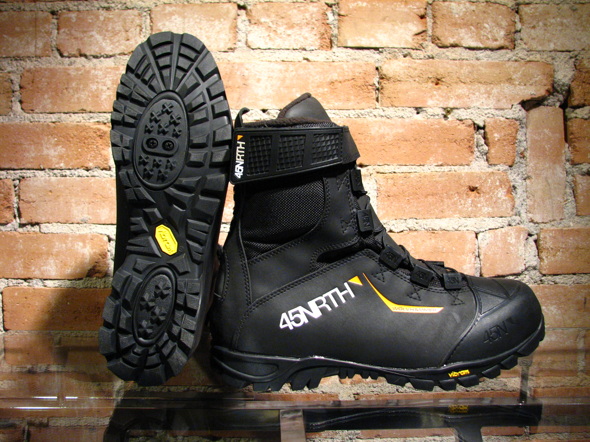 45NRTH doesn't mess around when it comes to winter footwear. The Wolvhammer delivers.