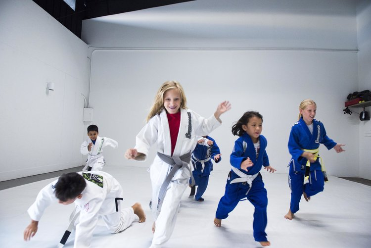 Youth Program - The Gracie Kona Youth Program provides children ages 5-15 with an environment that allows them to experience and understand core values like focus, discipline, persistence, cooperation, and respect.LEARN MORE >>
