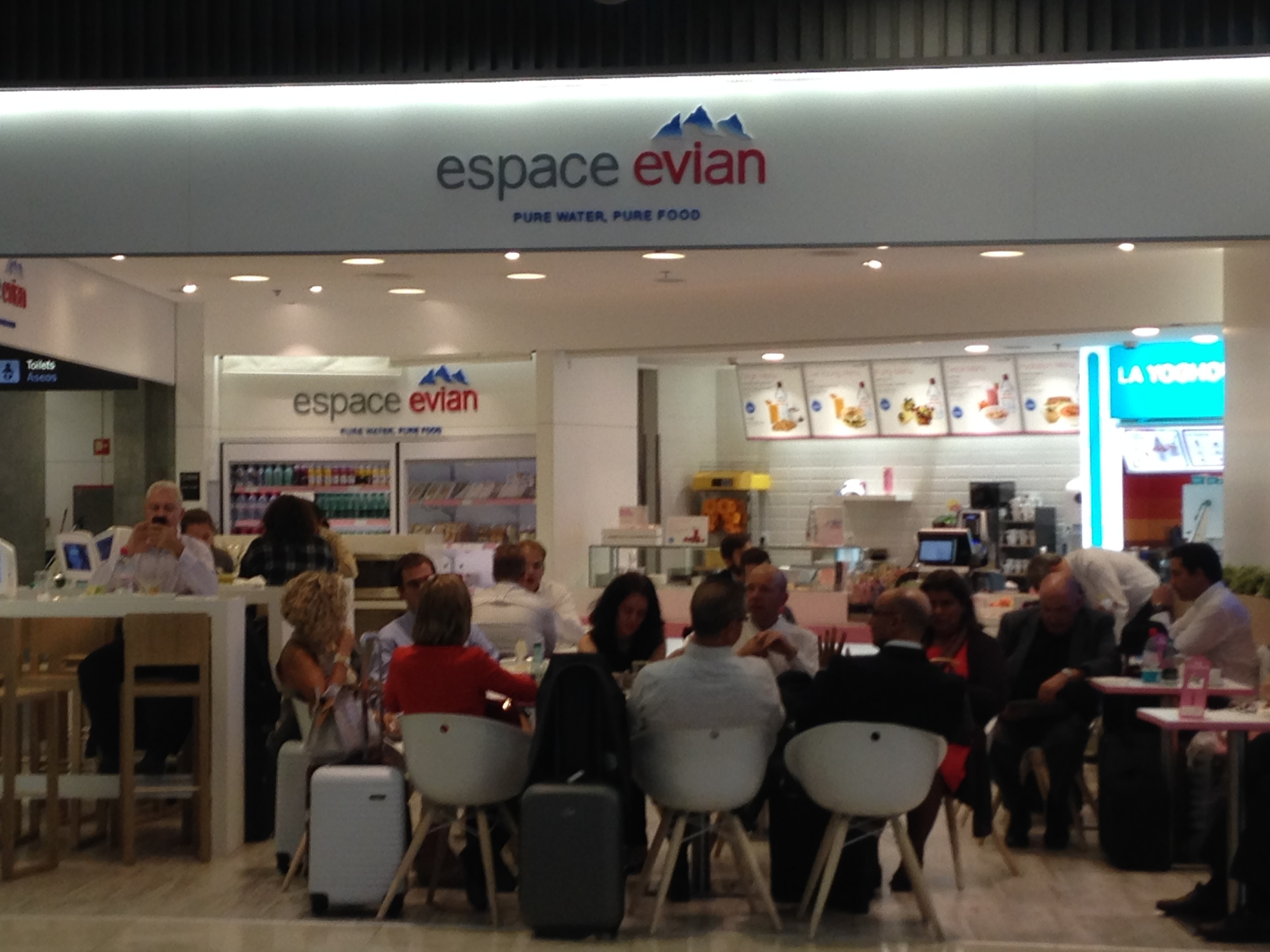 Espace Evian : Reinforcing bad habits one glass of cold water at a time.