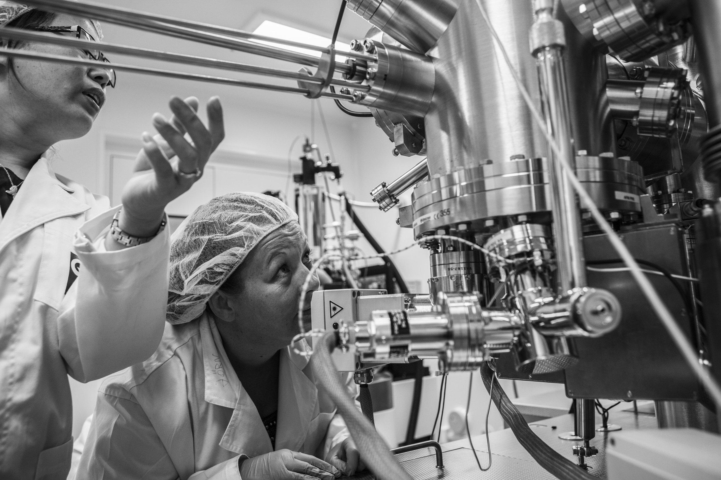 QUT Science & Engineering Centre, Brisbane, Queensland. Australia. UHV (Ultra High Vacuum) SPM (Scanning Probe Microscope). © Russell Shakespeare/The Magnum Foundation 2018