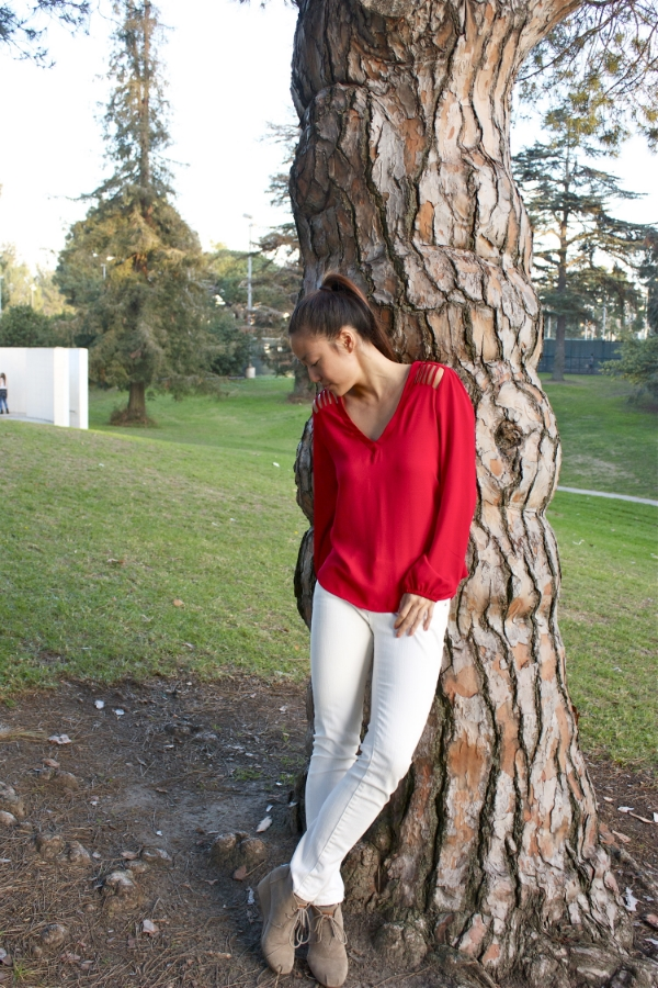 Red shirt tree shot